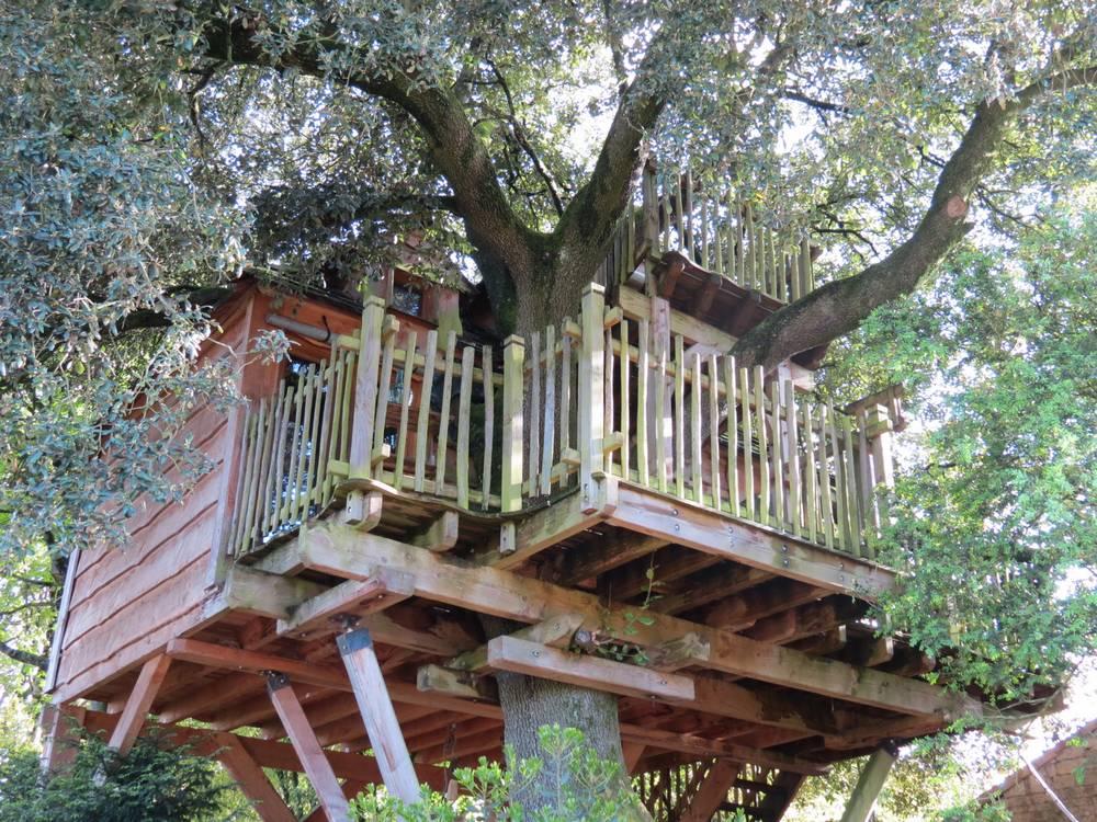 cabane perch e 79 location de cabane dans les deux s vres 79 en poitou charentes. Black Bedroom Furniture Sets. Home Design Ideas